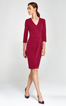 Dopasowana sukienka z asymetrycznymi draperiami - bordo
