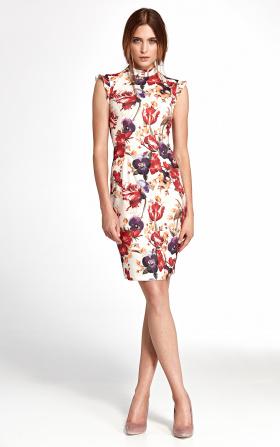 Sukienka z falbankami na ramionach - kwiaty