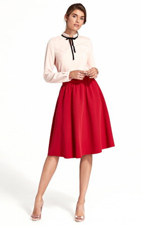 Rozkloszowana spódnica do kolan - czerwony