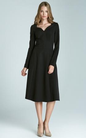 Czarna klasyczna sukienka z długim rękawem