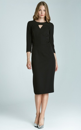 Czarna elegancka sukienka z subtelnym dekoltem
