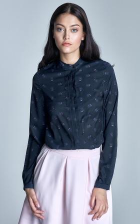 Granatowa bluzka z plisami na dekolcie w różowe dmuchawce