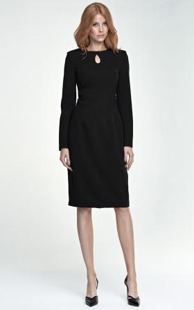 Elegancka czarna sukienka z łezką na dekolcie
