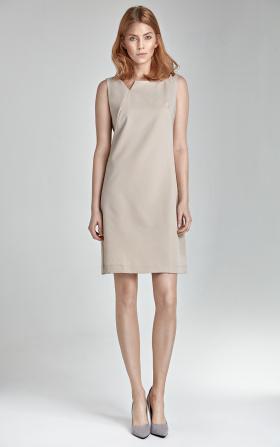 Beżowa sukienka bez rękawa z rozcięciem na dekolcie