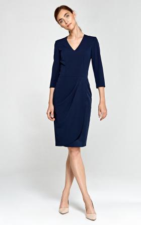 Dopasowana sukienka z asymetrycznymi draperiami - granat