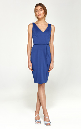 Zmysłowa sukienka z dekoltem na plecach - niebieski