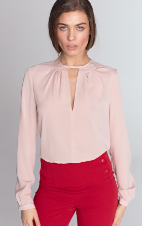 Blouse with a crack on the neckline - pink