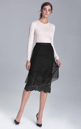 Czarna spódnica z koronką