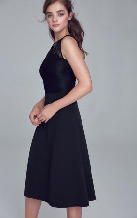 Sukienka z koronkowym dekoltem - czarny