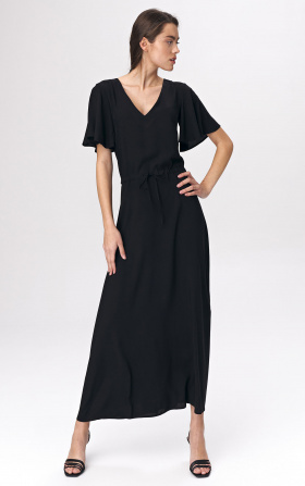 Black maxi dress with wide sleeves