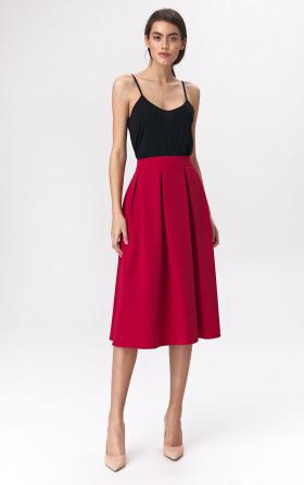 Rozkloszowana czerwona spódnica midi