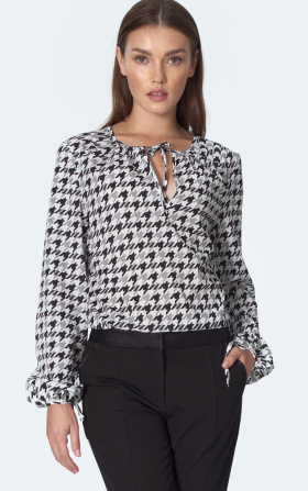 Blouse with ties on the neckline in pepitko pattern