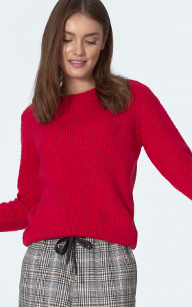 Classic sweater in raspberry colour