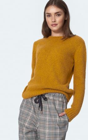 Classic yellow sweater