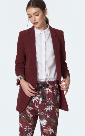 Burgundy jacket with rolled-up sleeve in flowers