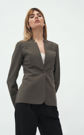 Jacket with cut and collar