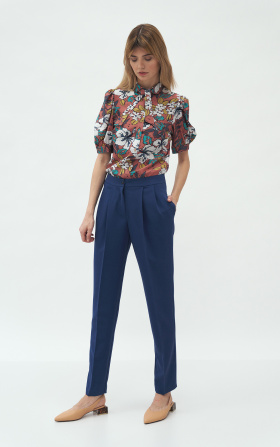 Cobalt trousers with fold