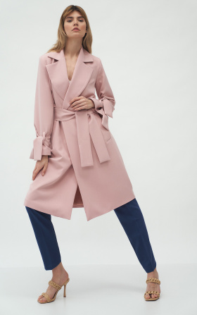 Pinky coat with tied sleeves