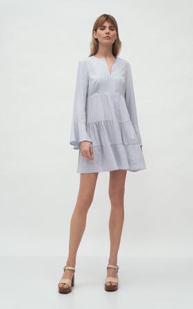 Szara sukienka wiskozowa z falbanami