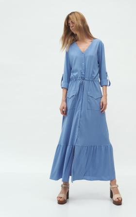 Długa niebieska sukienka z kieszeniami