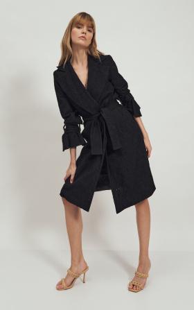Koronkowy czarny płaszcz