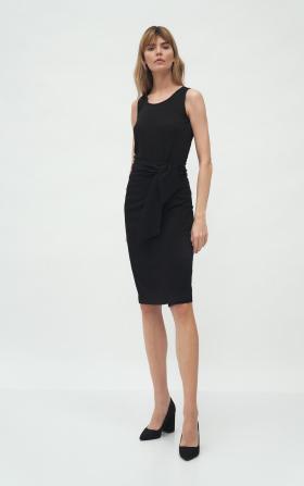 Czarna spódnica z wiązaniem