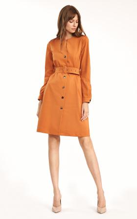 Pomarańczowa sukienka zapinana na guziki z paskiem