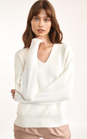 Sweter w kolorze ecru o swobodnym kroju