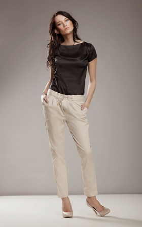 Elegant trousers 7/8 fashion - beige