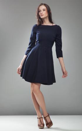 Sukienka z koła w kolorze granatowym
