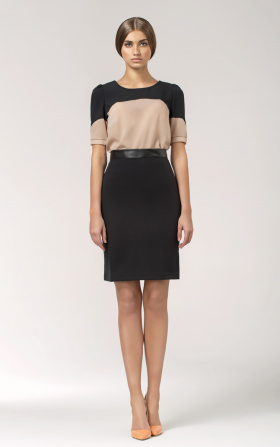 Skirt with a leather belt - black