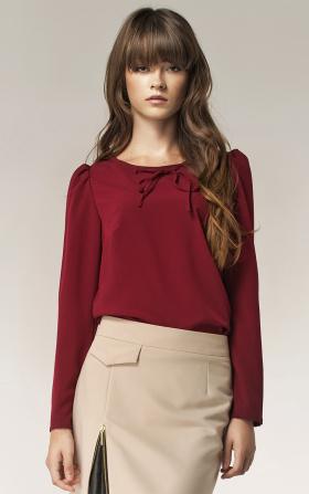 Bordowa bluzka z kokardką na dekolcie