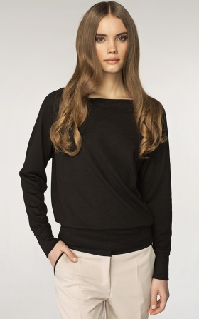 Sweater with a neckline in the boat shape - black
