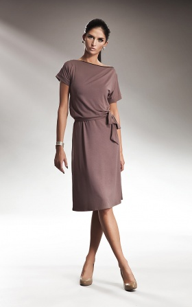 Subtle dress with zipper - mocca