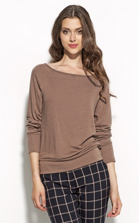Blouse with a neckline in the boat shape - mocca